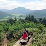 至仏山中腹から眺めた尾瀬ヶ原と燧ケ岳