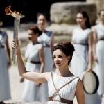 ギリシャ・オリンピアの神殿でリオ五輪へ準備