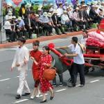 台湾の伝統的な結婚シーン。嫁入りし、新婚生活が始まる時の雰囲気が出ている