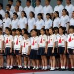 蔡英文総統の就任演説後、台湾の歌「美麗島」を合唱する国立実験合唱団と敦化小学校合唱団