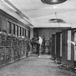 最初のコンピュータENIAC(Wikipediaより)