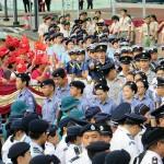 7月1日の国旗掲揚式には香港赤十字会、香港航空青年団、海事青年団、ガールスカウト、ボーイスカウトらが参加-1