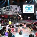 大宇は大型バスを中心に展示。子供向けのイベントが人気を集めていた