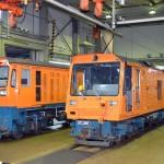 ディーゼル機関車2台