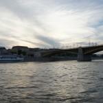 夕焼けとドナウ川が見事にマッチした一枚の絵