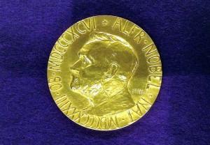 ノーベル平和賞メダル