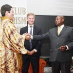 ピコ太郎さん、ウガンダの観光大使に就任
