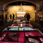 「聖書博物館」に展示された古文書や聖書など