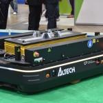 海外発の自動運搬車。主に倉庫作業等の物流の現場で活躍する