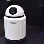 ヤマハ発動機ブースの遠隔監視ロボット。工場等の自動監視システムの先駆けとして期待されている。