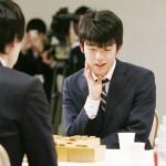 藤井聡太四段、将棋・朝日杯で佐藤天彦名人破る