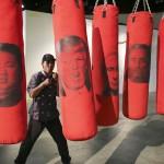 ボクシング用サンドバッグに怒りをぶつけて!