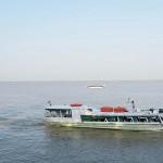 アマゾン川を行き交う連絡船
