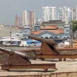 ポルトガルの植民地時代に作られたカステロ要塞から見たベレン市街
