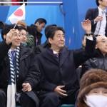 安倍首相が選手村を訪れ、葛西・高梨選手ら激励