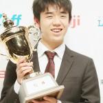 藤井聡太がプロ初優勝「経験を糧に成長したい」