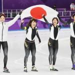 団体追い抜きで驚異の加速、日本女子が金