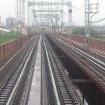 近鉄南大阪線大和川橋梁が傾き、運転見合わせ