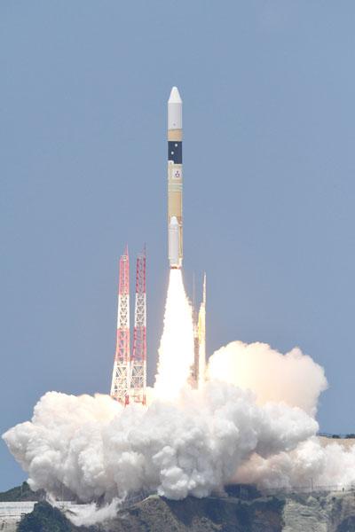 三菱重工とJAXA、情報収集衛星を打ち上げ