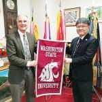 トラヴィンセン教育学部長が沖縄尚学高で講演