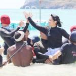 渡名喜島で水上運動会、大正8年から100回目