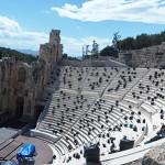今でも夏に演劇やオペラが上演されるイロド・アティコス音楽堂
