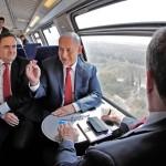 聖地と商都を結ぶ新高速鉄道の運転を開始