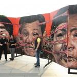 戒厳令や独裁体制に抗議する巨大アート