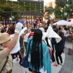 盆踊り終盤には広場が一体となって盛り上がりを見せた