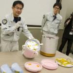 ISSから回収回収した実験試料と容器が到着