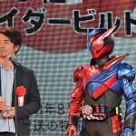 8位の「仮面ライダービルド」ではプロデューサーの大森敬仁氏と仮面ライダービルドが登場