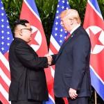 トランプ米大統領(右)と金正恩朝鮮労働党委員長