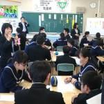 秋田市の3校で題材もとに「道徳」の公開授業