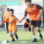 J1の清水がバンコクでサッカー教室を開く