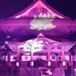 1400年の歴史を誇る善光寺を彩る「光の祭典」
