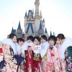平成最後の新成人、シンデレラ城と記念撮影