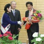 安倍首相が満面の笑み「大輪の花を咲かせたい」