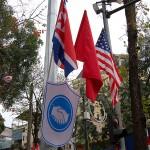 第2回米朝首脳会談の歓迎ムードを盛り上げるためにハノイ市内の到るところに米朝とベトナムの国旗が掲げられている