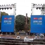 ハノイ市内の公園では第2回米朝首脳会談を歓迎するイベント用のステージが設営された