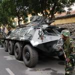 ハノイ市内では装甲車や銃を持った兵士が配置されるなど厳戒態勢が敷かれている