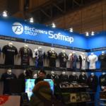 ソフマップブースではeスポーツ向け衣装やアクセサリを販売