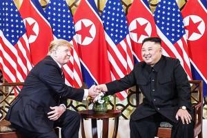 トランプ米大統領(左)と金正恩朝鮮労働党委員長