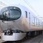西武鉄道の新型特急車両「Laview」を公開