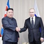 金正恩朝鮮労働党委員長(左)とプーチン大統領