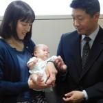 元気に成長、258グラムの赤ちゃんが退院へ