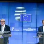 トゥスク大統領(右)とユンケル欧州委員長