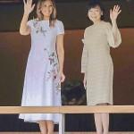 メラニア米大統領夫人(左)と安倍昭恵首相夫人