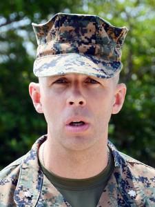 在沖米海兵隊の第4戦闘兵站大隊の走行訓練