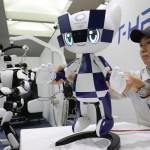 五輪盛り上げ、東京大会マスコットの小型ロボ