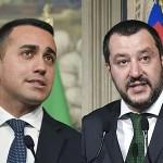 ディマイオ党首(左)とサルビーニ書記長